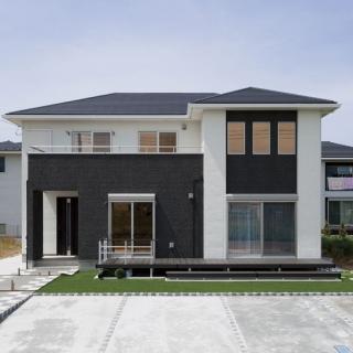 ダークブラウン×白のシンプル大人空間が魅力の家|木更津市|S様邸